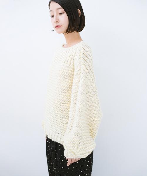 手編み風ガーター編みがかわいいざっくり女っぽニット