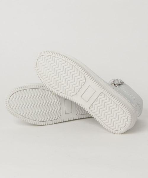 アラウンドザシューズ/around the shoes  MADE IN PORTUGAL 型押しレザーハイカットスニーカー(白・黒)