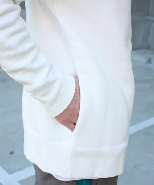 M LOGO CREW NECK SWEAT SHIRTS