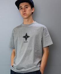 """L&HARMONY(エルアンドハーモニー)の[L&HARMONY / エルアンドハーモニー]ハイクルーネックプリントTシャツ""""SHURIKEN""""(Tシャツ/カットソー)"""