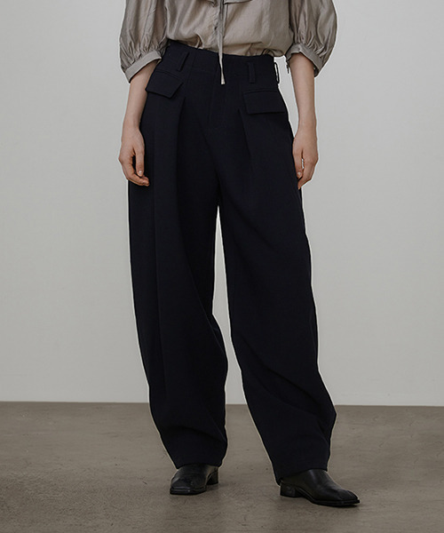 【UNSPOKEN】Tucked cocoon pants UD20K006