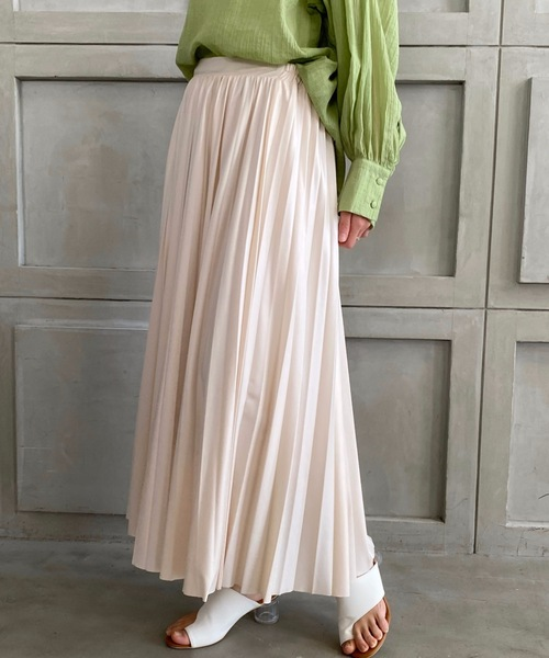 moment+(モーメントプラス)の「エコレザープリーツスカート(スカート)」|アイボリー