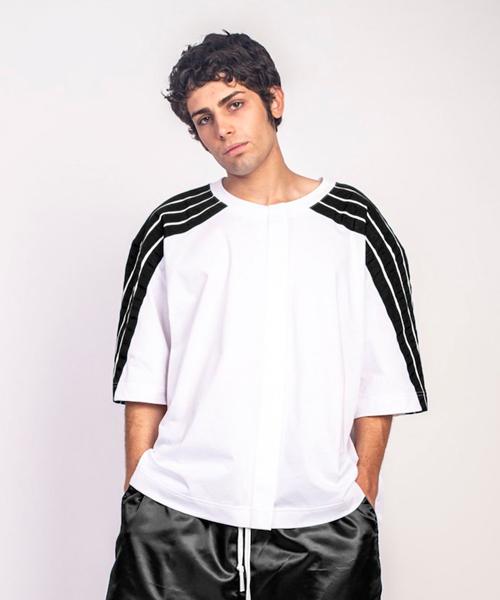 最愛 【セール】【DIMA LEU】 JERSEY OVERSIZED T-SHIRT アンド (BLACK)(Tシャツ LEU,ディマ &/カットソー) DIMA LEU(ディマロウ)のファッション通販, タジリチョウ:500cc95d --- fahrservice-fischer.de