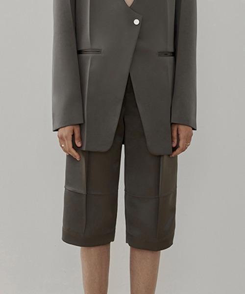 【UNSPOKEN】Center crease stitch half pants UD20K029