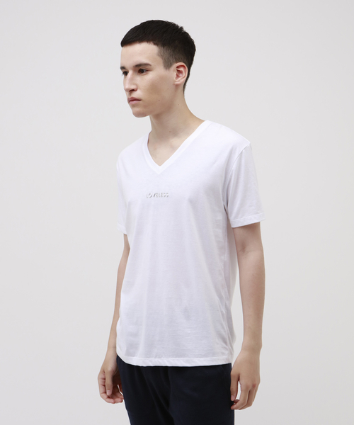 LOVELESS(ラブレス)の「【Safari10月号掲載】ポリクレスト ロゴ VネックTシャツ(Tシャツ/カットソー)」|オフホワイト