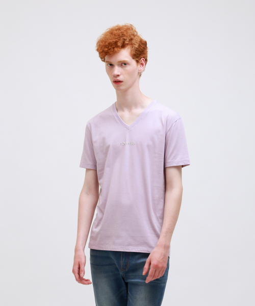 LOVELESS(ラブレス)の「【Safari10月号掲載】ポリクレスト ロゴ VネックTシャツ(Tシャツ/カットソー)」|ワイン