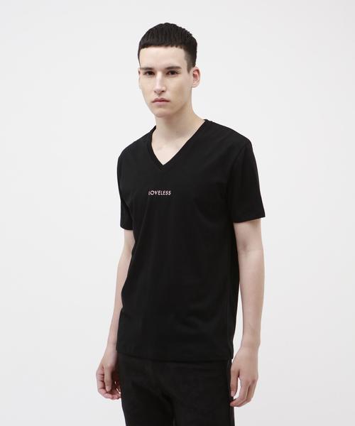 LOVELESS(ラブレス)の「【Safari10月号掲載】ポリクレスト ロゴ VネックTシャツ(Tシャツ/カットソー)」|ブラック