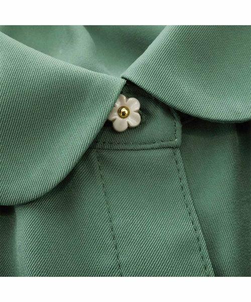 思わずニッコリ お花ボタンブラウス