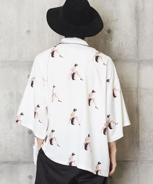 バニーガール柄アロハシャツ 総柄開襟シャツ
