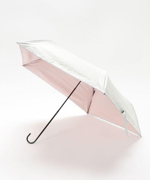 estaa(エスタ)の「BEAUTY SHIELD 晴雨兼用折りたたみ日傘 花刺繍タッチ(折りたたみ傘)」 ホワイト