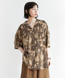 【EMMA】水彩アートプリント半袖シャツブラウン