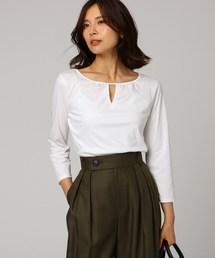 UNTITLED(アンタイトル)の胸スリットコットンスムースプルオーバー(Tシャツ/カットソー)