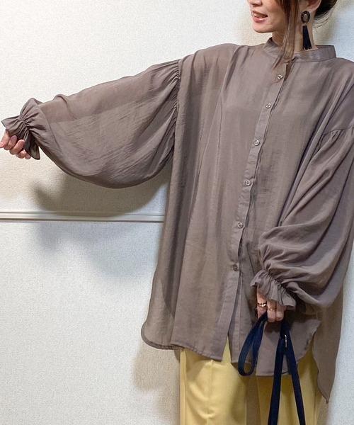 JUNOAH(ジュノア)の「ボリュームスリーブスタンドカラーシアーシャツ(シャツ/ブラウス)」 チャコール