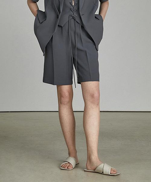 【UNSPOKEN】One-tuck bermuda half slacks UQ21K005