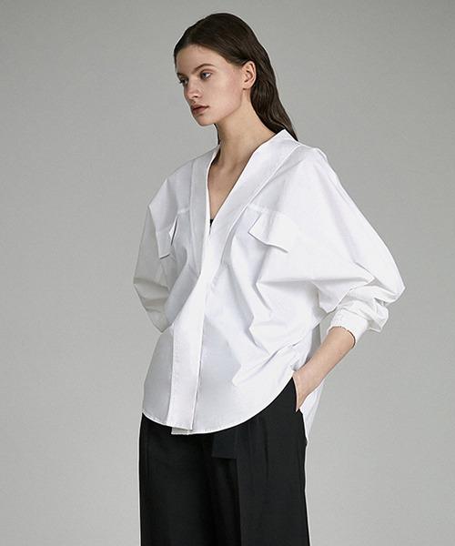 【UNSPOKEN】V-neck collar volume blouse UQ21S043