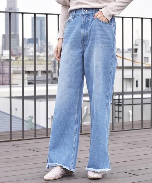 w closet(ダブルクローゼット)の「後ろレースUP裾スリットパンツ(デニムパンツ)」|ブルー