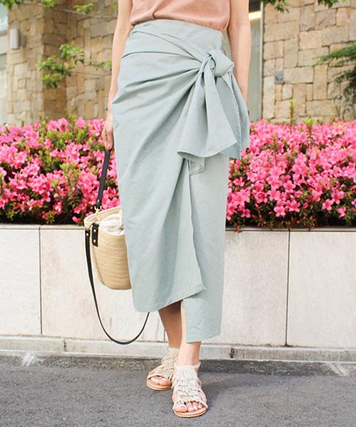 MODE ROBE(モードローブ)の「フロントリボントレンチスカート ナロースカート ロングスカート 膝下丈 リボン(スカート)」|カーキ