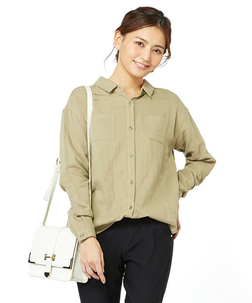 リブ イン コンフォート コットン100%のダブルガーゼ素材が心地いい後ろ姿着映えるバックリボンふわっとシャツ