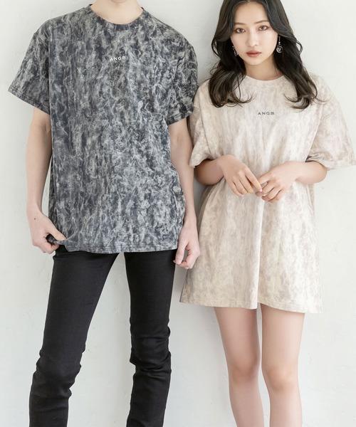 ANDGEEBEE(アンジービー)の「【UNISEX】ケミカルウォッシュロゴTシャツ(Tシャツ/カットソー)」 ピンクベージュ
