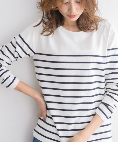 Pierrot(ピエロ)の「洗濯機で洗える 綿100%地厚長袖カットソー(Tシャツ/カットソー)」 ホワイト×ネイビー
