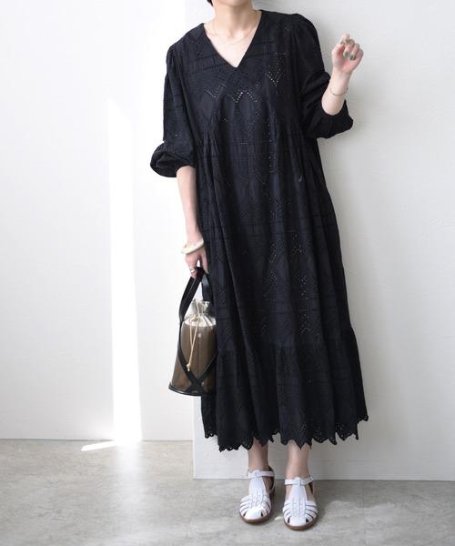 カット刺繍レースドレス