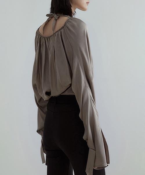 【UNSPOKEN】Deformed drape blouse UX21S022