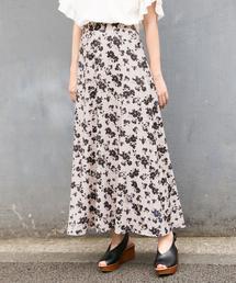 LOWRYS FARM(ローリーズファーム)のフラワーボタンAラインスカート 844199(スカート)