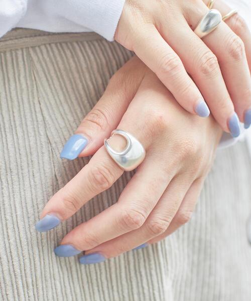 ○ANNIKA INEZ(アニカ イネス)アシメ ボリュームリング / 指輪