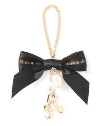 Maison de FLEUR(メゾンドフルール)のイニシャルバッグチャーム(キーホルダー)