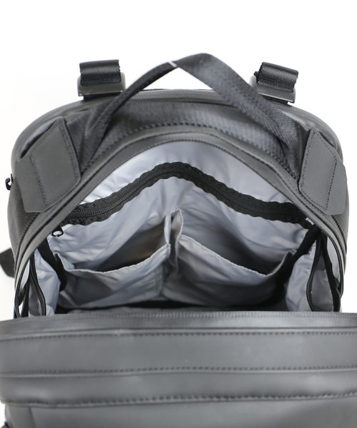 【worm design lab/ワームデザインラボ】HUNT-Slanting Backpack