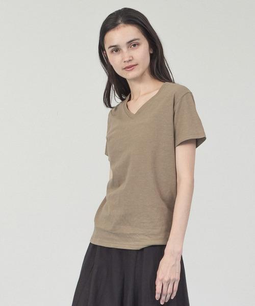 Allumer(アリュメール)の「ベルギーリネンVネックTシャツ(Tシャツ/カットソー)」|ベージュ