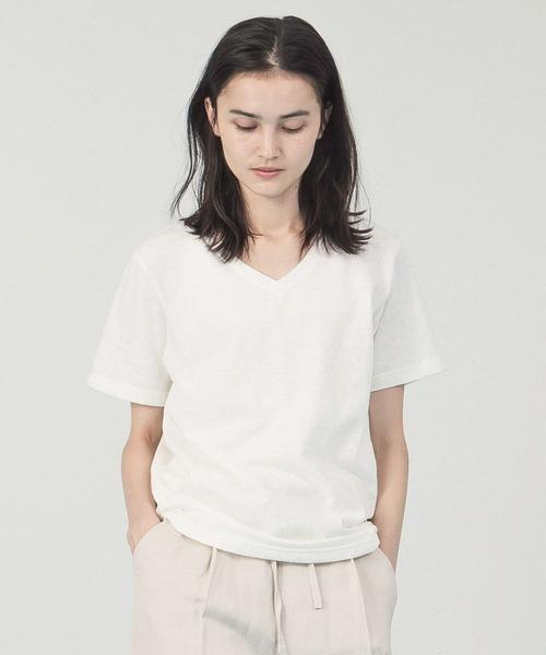 Allumer(アリュメール)の「ベルギーリネンVネックTシャツ(Tシャツ/カットソー)」|ホワイト