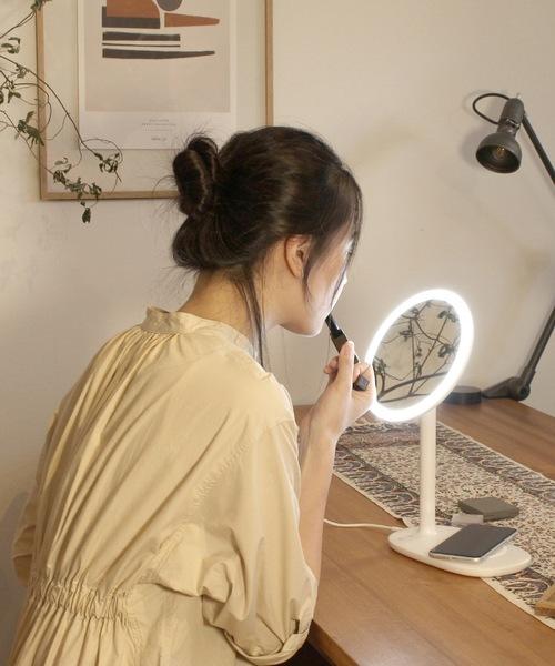 【CoCo:LO】 beauty actress MIRROR white / 女優ミラー    LED付き卓上鏡    ハリウッドスタイルミラー   ワイヤレス充電器