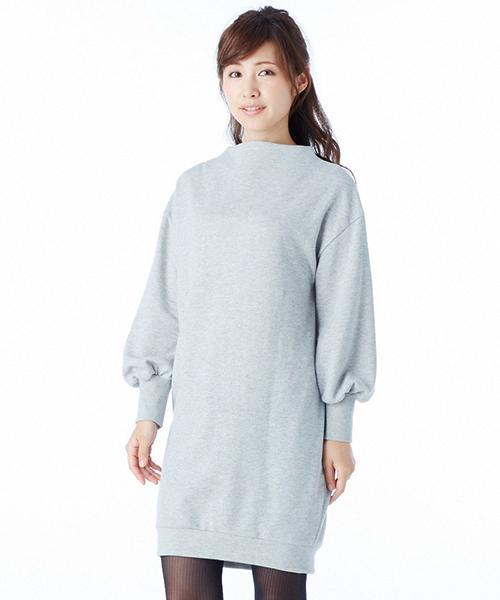 女っぽい絶妙レイヤードが完成する甘編みスウェットワンピ&すそレースペチスカートセット