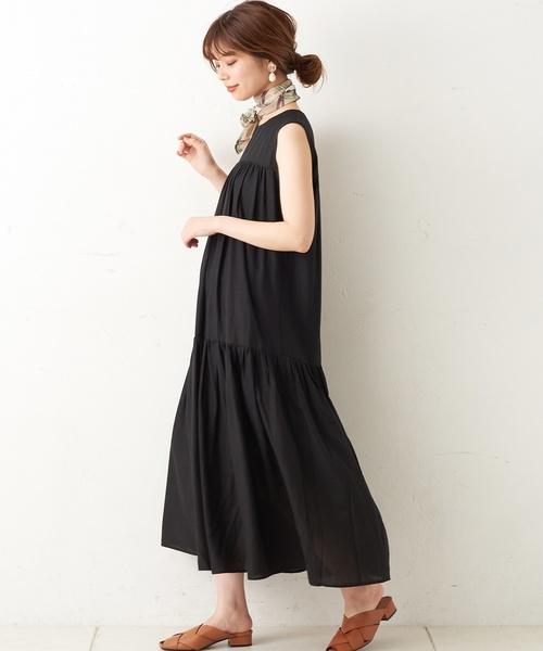 natural couture(ナチュラルクチュール)の「細ベルト付き大人涼しげティアードワンピース(ワンピース)」|ブラック