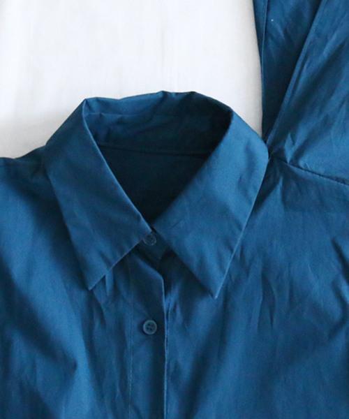 左肩で軽やかになびく大きなフリルのワンピース 変形ワンピース ミモレ丈 ノースリーブ