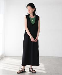 【WEB限定】FEELING MADE ストレッチポンチ Vネック ジャンパースカート