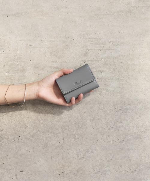 Creed(クリード)の「POETA < ポエタ > / 三つ折り ミニ ウォレット(財布)」|グレー
