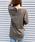AZUL ENCANTO(アズールエンカント)の「【洗濯機で洗える】【消臭効果】バックヘンリーネックワッフルVネックプルオーバー(Tシャツ/カットソー)」|ベージュ