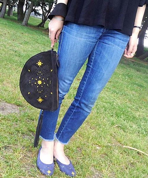 IKOH(イコー)の「【IKOH】Rangori Hangetu clutch bag ランゴリ 半月レザークラッチバッグ(クラッチバッグ)」|ブラック