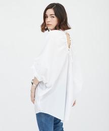 バックデザインシャツホワイト