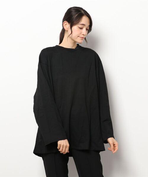 【Voyage titty&Co.】バックオープンゆるロンTee