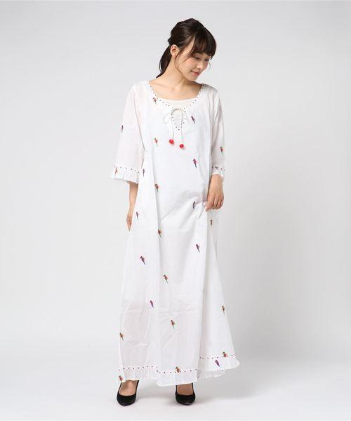 ファッション 【セール】NIMO WITH WITH LOVEオウム刺繍ワンピース(ワンピース) HELIOPOLE(エリオポール)のファッション通販, 下郷町:7ea81245 --- heimat-trachtenbote.de