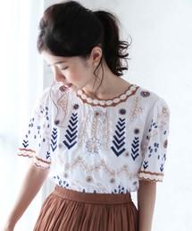 cawaii(カワイイ)の華やか刺繍を施したブラウス  エスニック風刺繍 半袖トップス(シャツ/ブラウス)