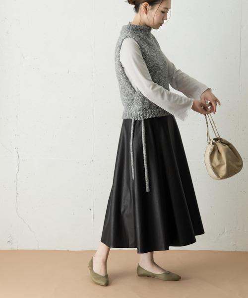 URBAN RESEARCH ROSSO(アーバンリサーチロッソ)の「エコレザーフレアスカート(スカート)」|ブラック