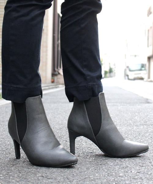 LibertyDoll(リバティードール)の「シルエットと履き心地を追求したピンヒール美脚サイドゴアブーツ(ブーツ)」|グレー