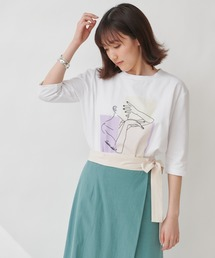 【THE CHIC】グラフィックプリントTシャツオフホワイト
