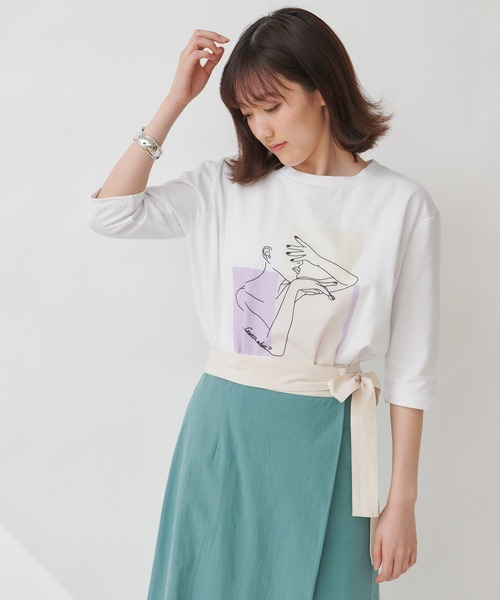 【THE CHIC】グラフィックプリントTシャツ
