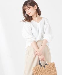 natural couture(ナチュラルクチュール)の後ろDカンベルトスキッパーシャツ(シャツ/ブラウス)
