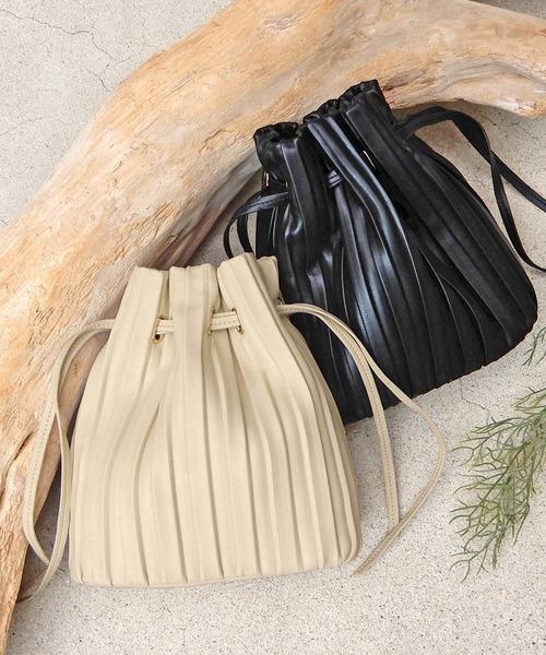 minia(ミニア)の「プリーツ巾着バッグ ◆(トートバッグ)」|アイボリー